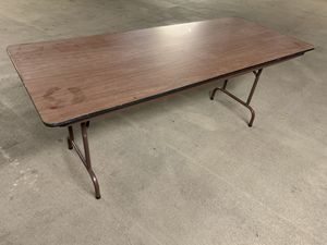 6 foot table for Sale in Charlotte, NC