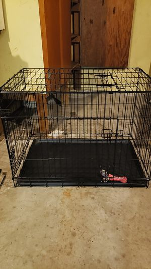 Large dog crate clean like new for Sale in Athol, MA