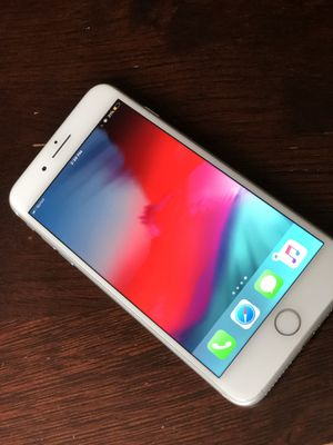 iPhone 8 Plus (Silver) for Sale in Alexandria, OH