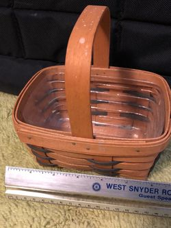 Small Longaberger Basket With Liner for Sale in Alexandria,  VA