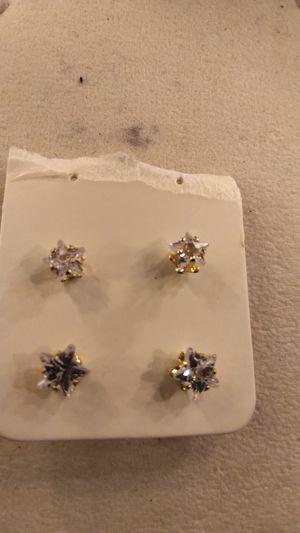 Diamond Simulant Ear ring for Sale in Arlington, TX