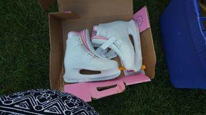 Brand new Ice skates size 6 for Sale in Detroit, MI