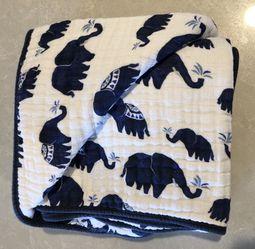 Little Unicorn Muslin Baby Blanket UNUSED and SO SOFT! for Sale in Kirkland,  WA