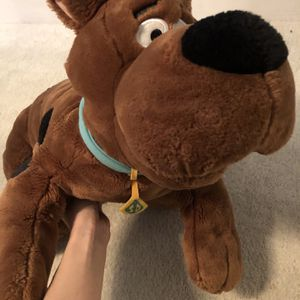 Universal Studios Giant Scooby Doo Plush for Sale in Los Angeles, CA