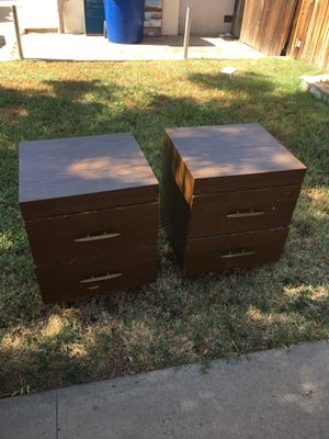 Night stands matching room set bedroom for Sale in Bakersfield, CA