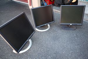 Almost like new computer monitors! for Sale in University Place, WA