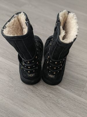 UGGs size kids 5 for Sale in Englewood, CO