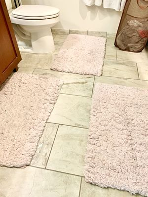 Cute pink bathmats! $25 total for all three! for Sale in Arlington, VA