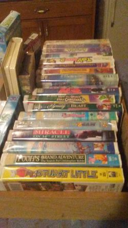 24 VCR MOVIES for Sale in Aberdeen,  WA