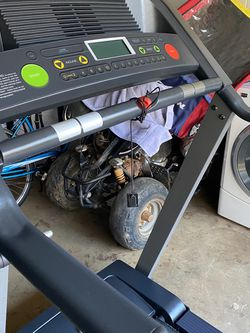 Golds Gym 450 Treadmill With Incline for Sale in Austell,  GA