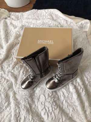 Brand new MK boots. Brand new with box for Sale in Detroit, MI