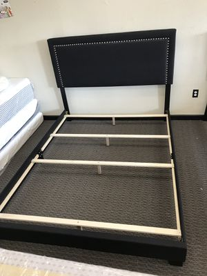Queen size bed frame for Sale in Florissant, MO