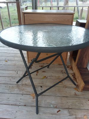 Round Glass Top Table with 4 chairs for Sale in Avon Park, FL