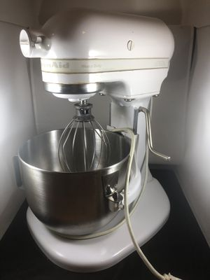 Kitchen Aid Heavy Duty Mixer + Kitchen Aid Roasting Pan for Sale in Chicago, IL