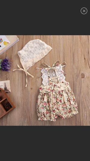 NWT cute romper with lace hat 2 pcs set size 6-9m 12-18m for Sale in Memphis, TN