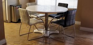 Breakfast table with four chairs for Sale in Henderson, NV