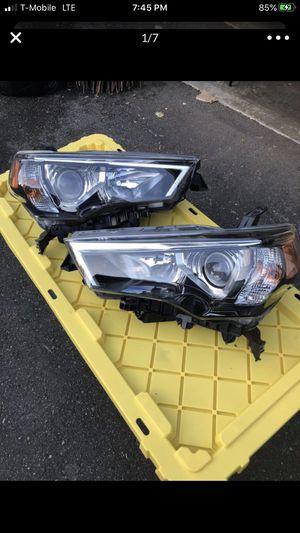 2018 Toyota 4 runner factory headlights for Sale in Black Diamond, WA
