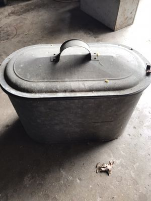 Antique wash tub with bottle holders for Sale in Aliquippa, PA