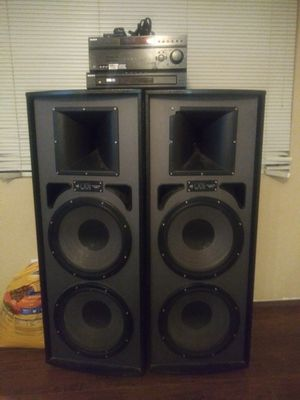 Sony Pro Studio Tower Speakers and 6 CD changer. for Sale in Phoenix, AZ