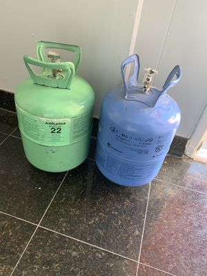 Freon 200 for both (r22,m099) for Sale in Los Angeles, CA