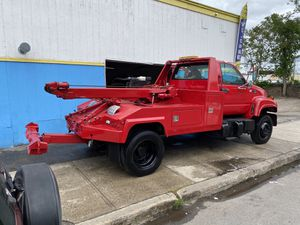 99 Chevy tow truck for Sale in Salem, NH