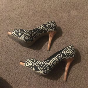 Size 8.5 Heels Like New for Sale in Denver, CO