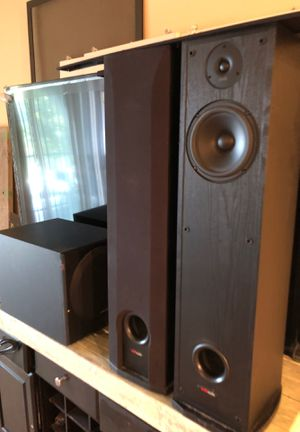 Polk audio floor speakers and powered subwoofer for Sale in San Jose, CA