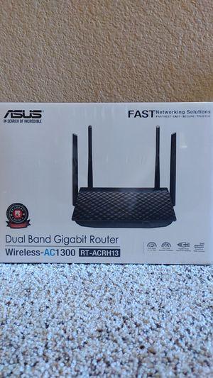 ASUS RT-ACRH13 AC1300 dual band Wifi 4 port gigabit router, USB 3.0 for Sale in Las Vegas, NV