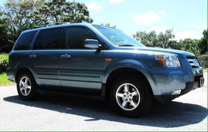 Hard to find like this Honda Pilot ex for Sale in Fresno, CA