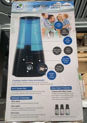 Humidifier - 2 gallon with UV-C for Sale in Silverado, CA