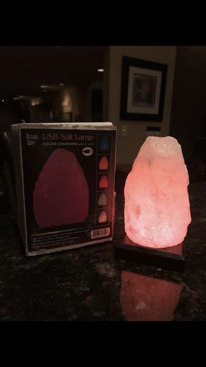 Himalayan Salt Lamp - Aloha Bay! Color changing salt lamp for Sale in Laguna Niguel, CA