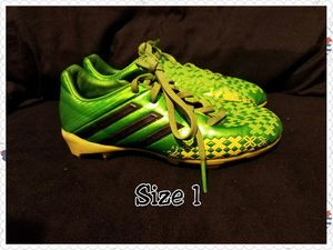 Soccer cleats - Youth for Sale in Sanger, CA