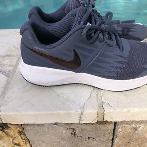 Nike Youth Size 4.5 for Sale in Hialeah, FL