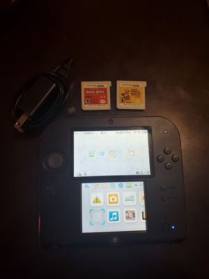 Nintendo 2ds with 2 games for Sale in Chicago, IL
