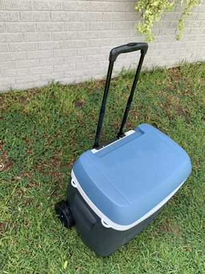 Igloo cooler/ice chest for Sale in Phoenix, AZ