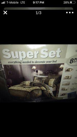 Queen comforter set (8 pieces) for Sale in Phoenix, AZ