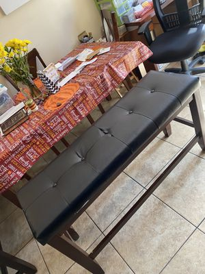 Bench for countertop table or kitchen counter. Very comfy for Sale in Hialeah, FL