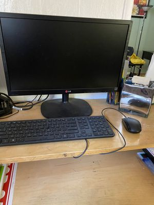 Computer screen , Keyboard and mouse for Sale in San Diego, CA