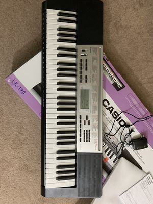 casio piano LK-190 61-Key Lighted Portable Keyboard with Dance Music Mode price negotiable for Sale in Woonsocket, RI
