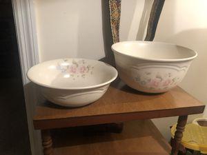 Vintage 1980's Pfaltzgraff USA Tea Rose pattern Large/Smaller Serving Bowls for Sale in Columbus, GA