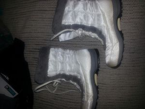 Like new boots size 7... for Sale in Glen Burnie, MD
