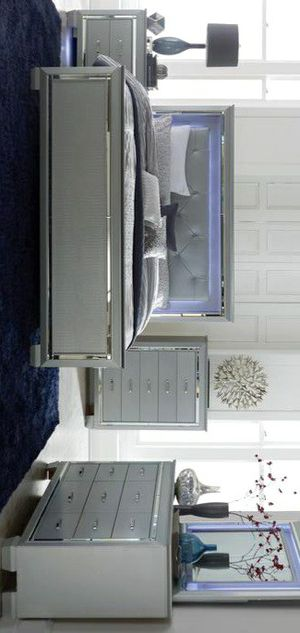 Allura Silver LED Panel Bedroom Set for Sale in Silver Spring, MD