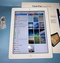 Apple iPad 2 With new Case And New Accessories 9.3.5 Ios for Sale in Carol Stream,  IL