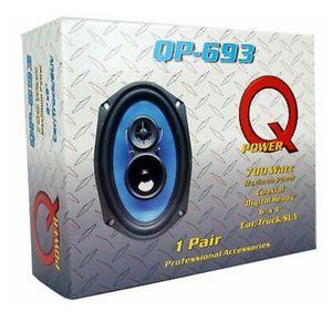 Speakers 700 WATTS $65 for Sale in Delano, CA