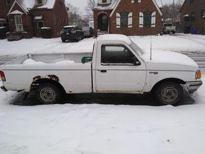 1993 Ford Ranger V6 5-speed manuel for Sale in Brook Park, OH