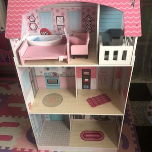 Girls Doll House And Kitchen for Sale in Anaheim, CA