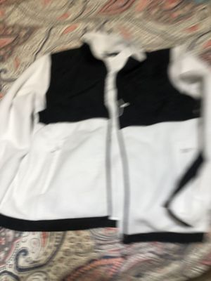 Size L light weight fleece- FREE for Sale in Winder, GA