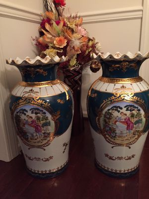 Hand painted Porcelain Vases - set of 2 for Sale in Ashburn, VA