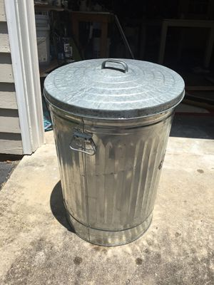 31 Gallon Galvanized Trash Can With Lid for Sale in Wake Forest, NC