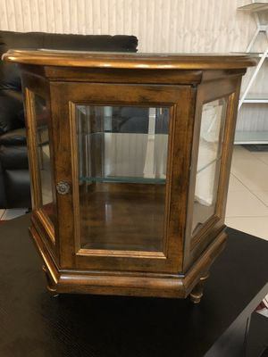Antique 3-legged hexagonal glass table top curio cabinet / end table for Sale in Lake Worth, FL